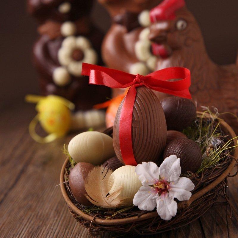 oeufs-de-paques-fourre-a-la-mousse-au-chocolat-blanc (1)